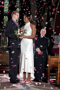 https://kusumakomp.files.wordpress.com/2012/07/the_tallest_couple_640_06.jpg?w=201